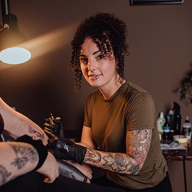 Black Lining - Franka - Tattoo Artist
